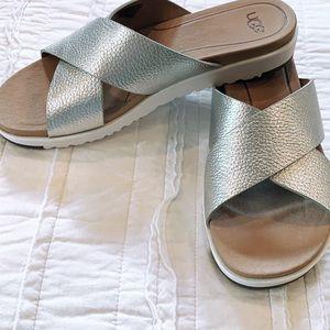 Ugg metallic leather slide. NWOT 7